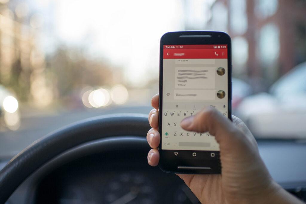 kontrola korištenja mobitela u prometu